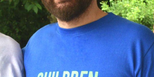 Massimo con la maglietta di Children Do Matter